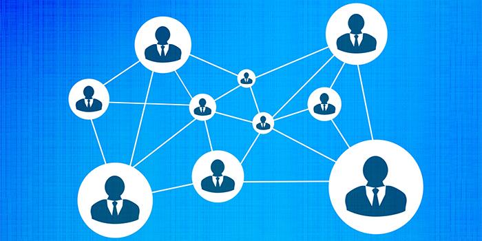 社外の人と業務を共有するイメージ